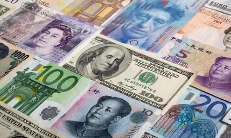 تباين أسعار العملات اليوم الخميس .. الدولار يستقر والإسترلينى يرتفع