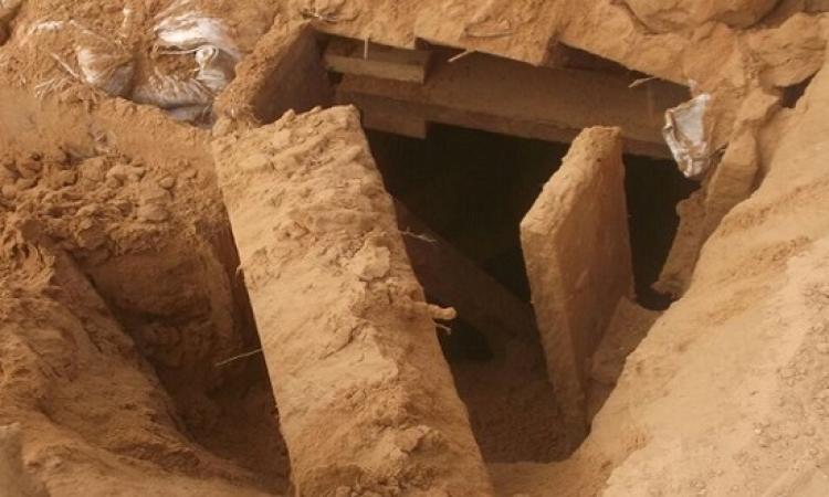 بالصور .. القوات المسلحة تدمر نفقين وتضبط 37 مشتبهًا بهم فى شمال سيناء