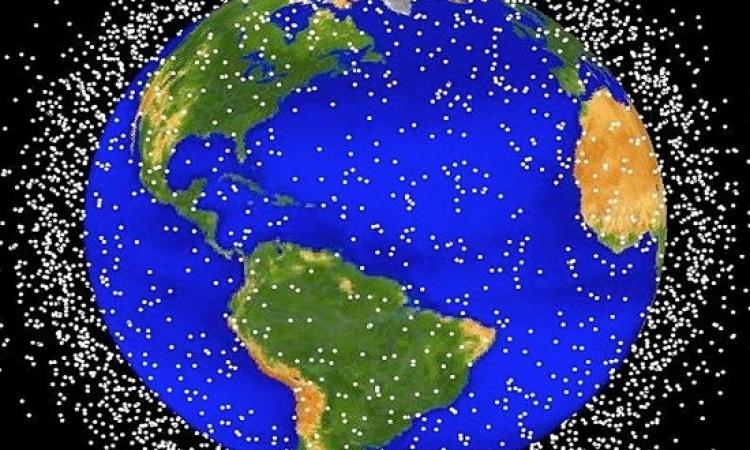 تحذيرات من خطورة النفايات الفضائية حول الأرض