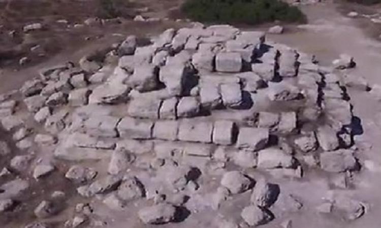 بالصور.. العثور على هرم فرعونى مدرج بالضفة الغربية