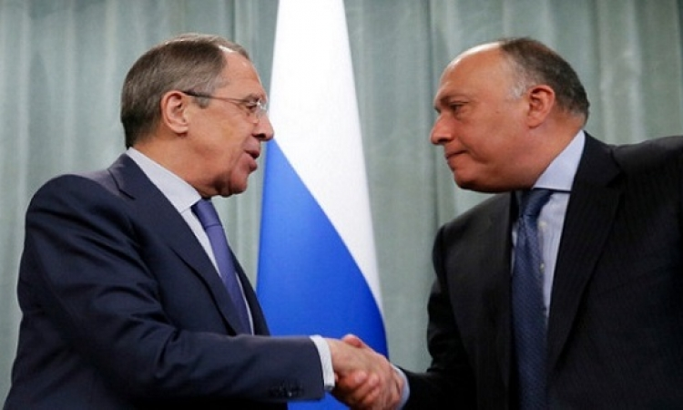 وزيرا خارجية مصر وروسيا يرحبان بعودة الطيران المباشر بين القاهرة وموسكو
