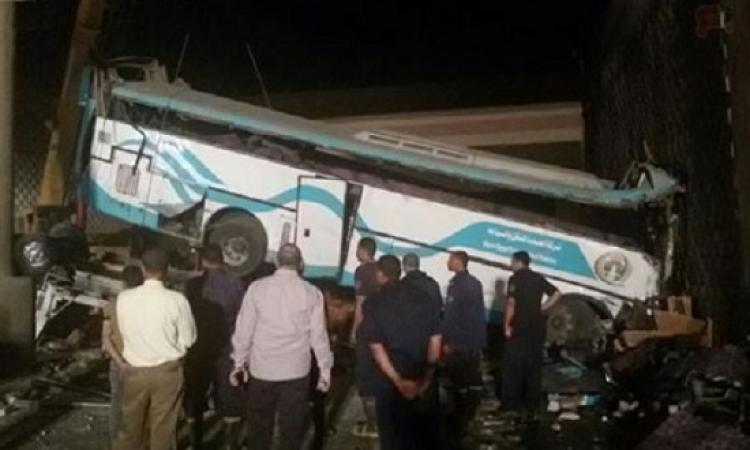 وفاة 14 مواطن واصابة 42 أخرين بحادث انقلاب اتوبيس وسيارة ببنى سويف