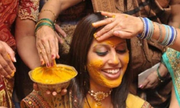 ماسك هندي لتفتيح البشرة وإزالة أثار الشمس