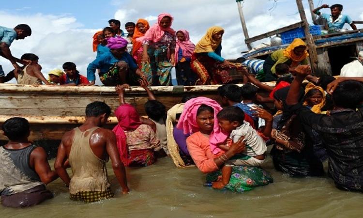 استمرار هروب مئات من مسلمى الروهينجا من ميانمار إلى بنجلاديش