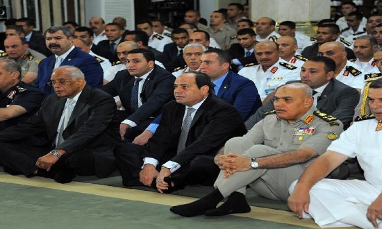 السيسى يهنئ المصريين بحلول عيد الأضحى المبارك