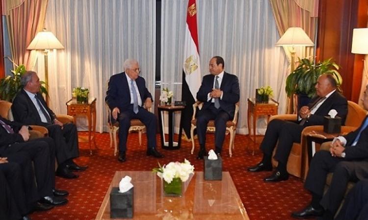 السيسى يؤكد لعباس مواصلة مصر جهودها لرأب الصدع بين الاطراف الفلسطينية