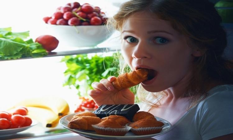 احذر.. تناول الطعام ليلا يرفع خطر الإصابة بأمراض القلب والسكر