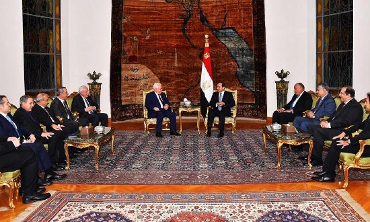 السيسى وعباس يؤكدان الحفاظ على فرص التوصل لحل نهائى للقضية الفلسطينية