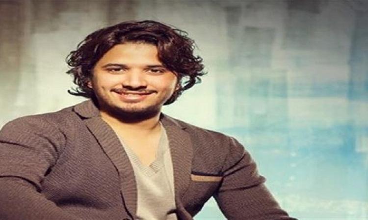 """بالفيديو.. مصطفى حجاج يطرح """"صوتنا معاك"""" لدعم السيسى بالانتخابات"""