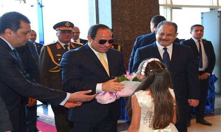 """بالصور.. الرئيس السيسى يدعو المصريين للاحتفال بـ""""يوم اليتيم"""""""