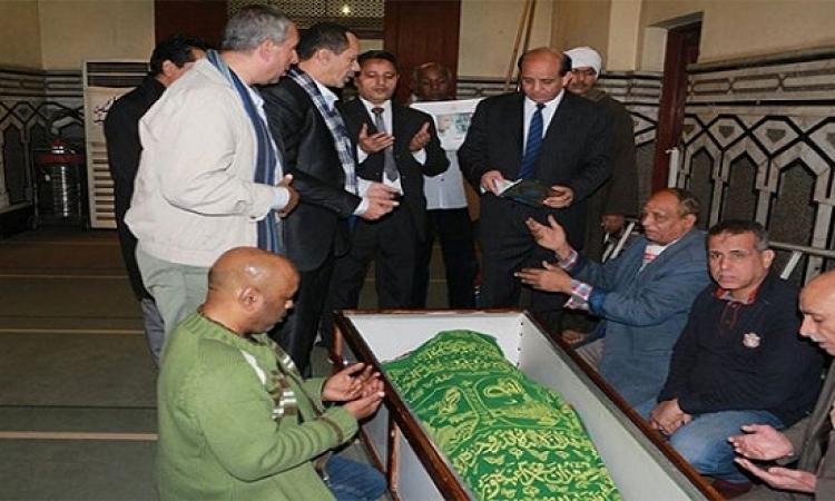 وصول جثمان إبراهيم نافع الى مسجد عمر مكرم قادماً مؤسسة الاهرام