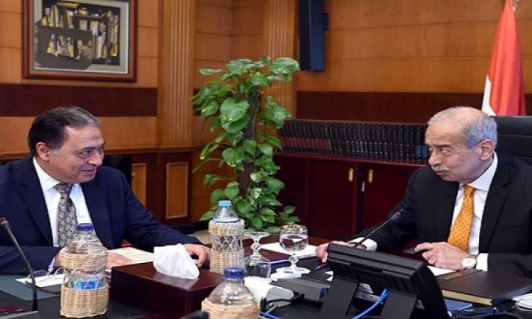 اسماعيل يؤكد حرص الحكومة على متابعة خطوات تنفيذ قانون التأمين الصحى الجديد