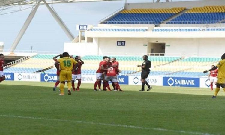 الأهلى ينتصر على مونانا بثلاثة أهداف ويتأهل لدور المجموعات