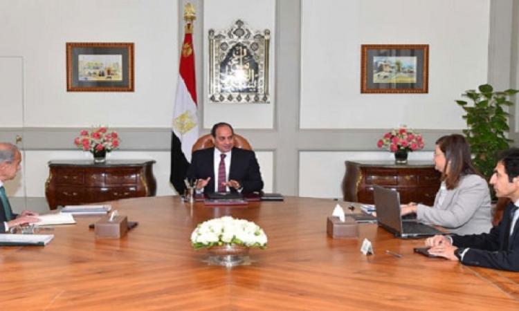 السيسى يستعرض استعدادات الحكومة لنقل موظفيها للعاصمة الإدارية الجديدة