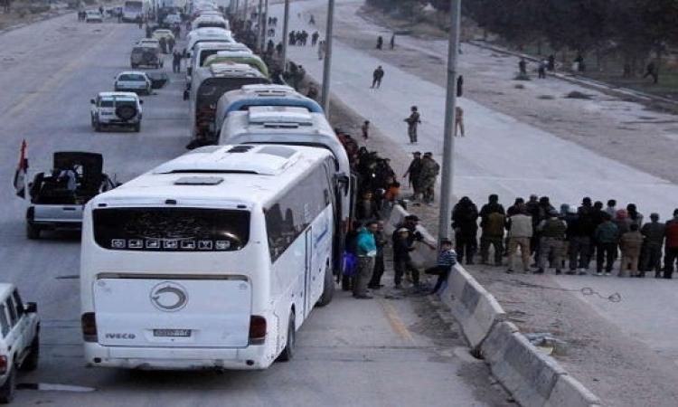 استمرار خروج مدنيي الغوطة الشرقية عبر المعابر الإنسانية