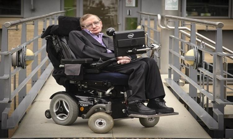 ستيفن هوكينج .. الأسطورة الذى كشف أسرار الكون من فوق كرسى متحرك
