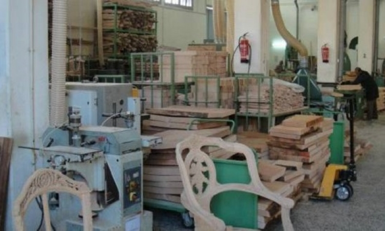 إنشاء منطقة استثمارية متخصصة لصناعة الأثاث بدمياط