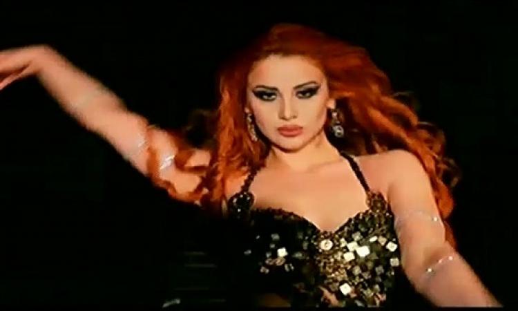 """بالفيديو.. قبل مباراة مصر.. راقصة روسية ترحب بالفراعنة على أغنية """"إلعب يلا"""""""