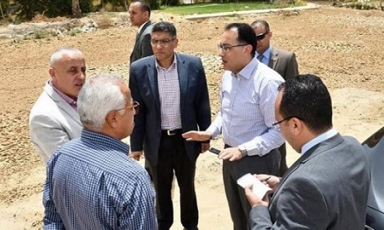 رئيس مجلس الوزراء يتفقد مشروع تطوير هضبة الأهرام ويكلف بتطوير طريق الفيوم