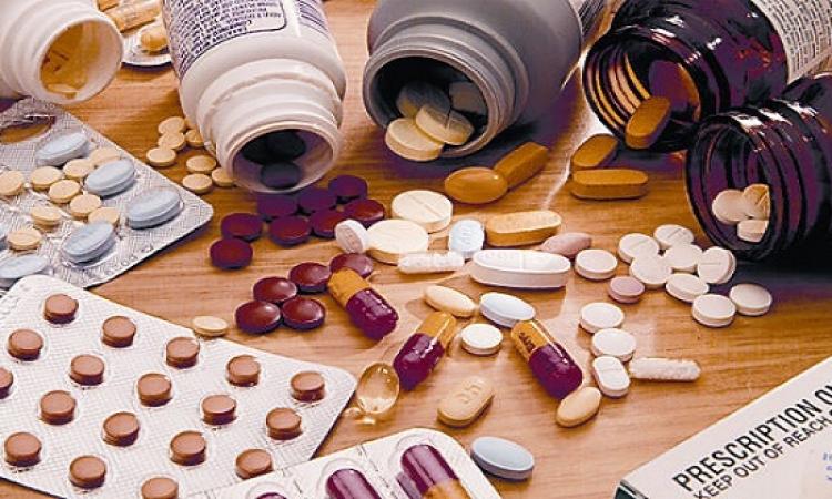 شركات الدواء تبحث اليوم زيادة الأسعار