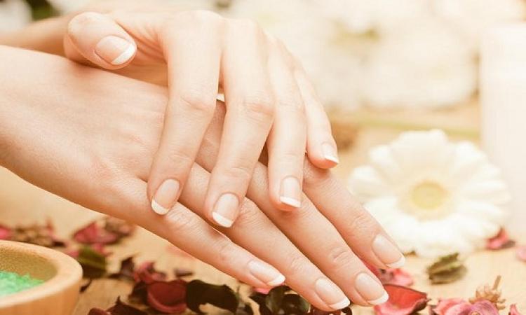 قبل العيد .. تبييض البقع الداكنة على أصابع اليد والقدم بهذه الخلطات