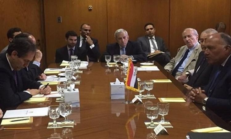 سامح شكرى يلتقى بمجموعة من المفكرين الامريكيين فى واشنطن