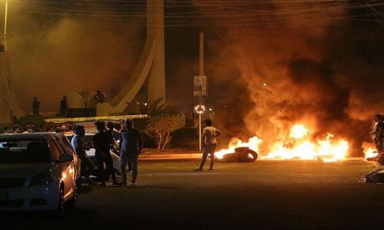 العبادى يحيل قادة شرطة البصرة للتحقيق بعد حرق قنصاية إيران
