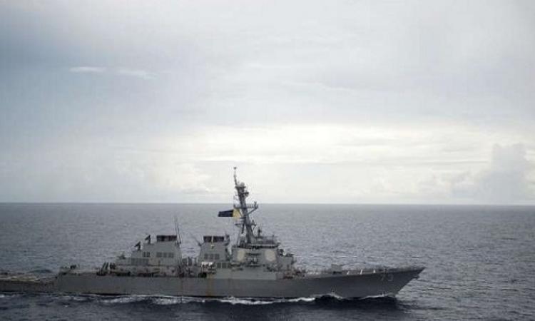 البحرية الصينية تجبر مدمرة أمريكية على تغيير مسارها فى بحر الصين الجنوبى