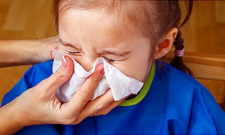 المحلول الملحى لعلاج زكام الأطفال