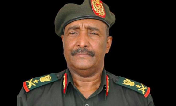 """""""البرهان"""" يؤدى يمين تولى رئاسة المجلس العسكرى الانتقالى فى السودان"""