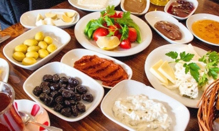 أهمية تناول وجبة السحور