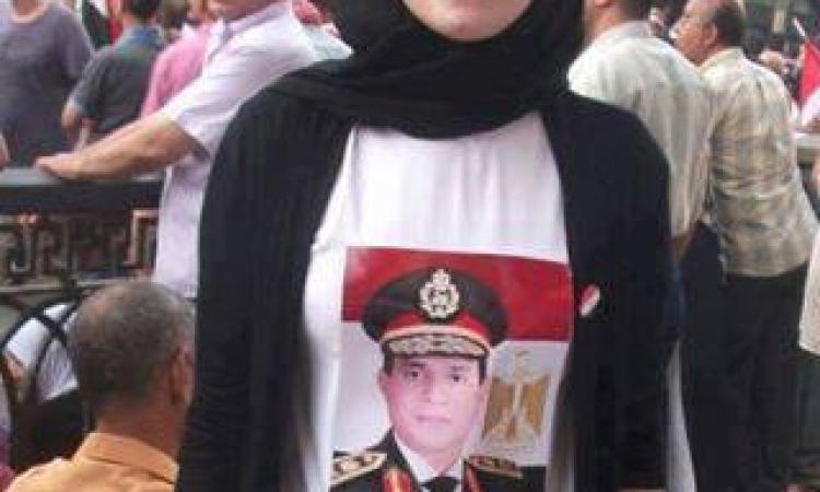 """""""نيويورك تايمز""""  المصريون نزلوا مديرية الأمن رافعين صور السيسي"""
