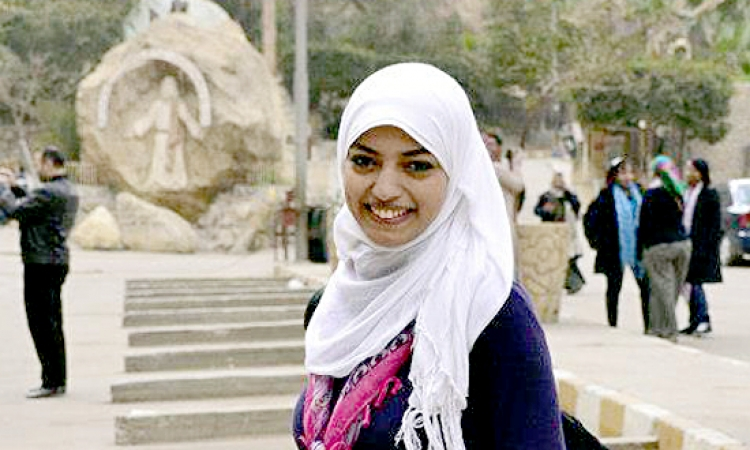 مهانة ومهملة ومهمشة ولكنها مصرية أولا وأخيرا … بقلم : إسراء حسني