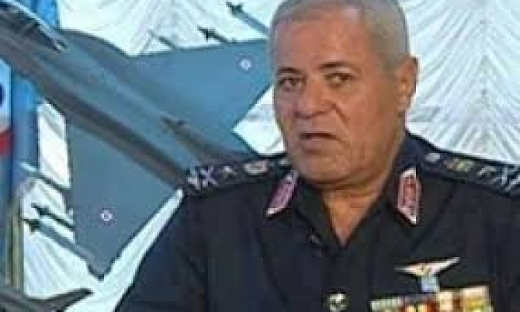 """النقيب : يجب التراجع عن إقالة رئيس """"اتحاد عمال مصر"""""""