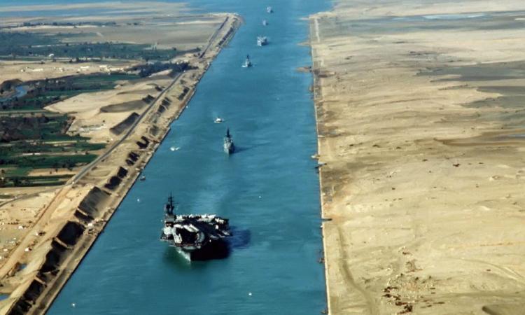 عبور 47 سفينة من قناة السويس بإجمالي حمولات 2 مليون و865 ألف طن