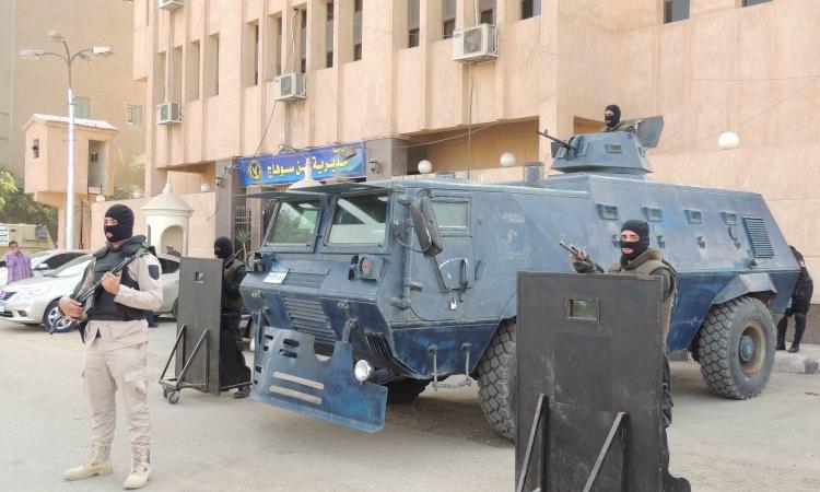 استنفار أمنى و12ألف شرطى لتأمين احتفالات ذكري يناير