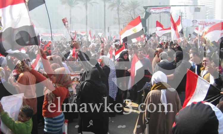 """بالصور.. """"الست المصرية"""" خط أحمر بميدان التحرير"""