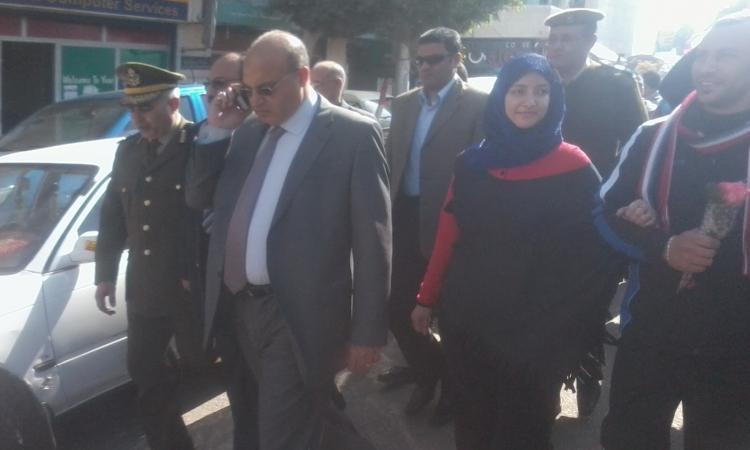 محافظ القليوبية ومدير الأمن يتفقدان منصة الاحتفال بثورة يناير