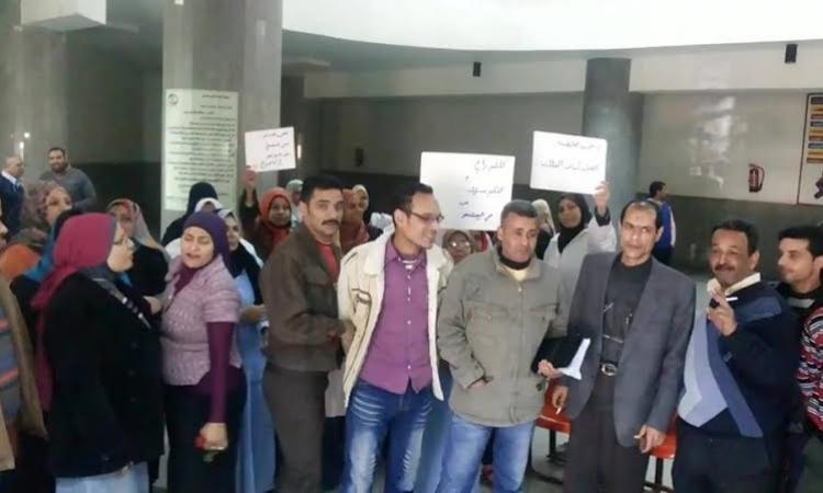 لليوم الثاني..إضراب العاملين بمستشفي التأمين الصحي بالإسماعيلية