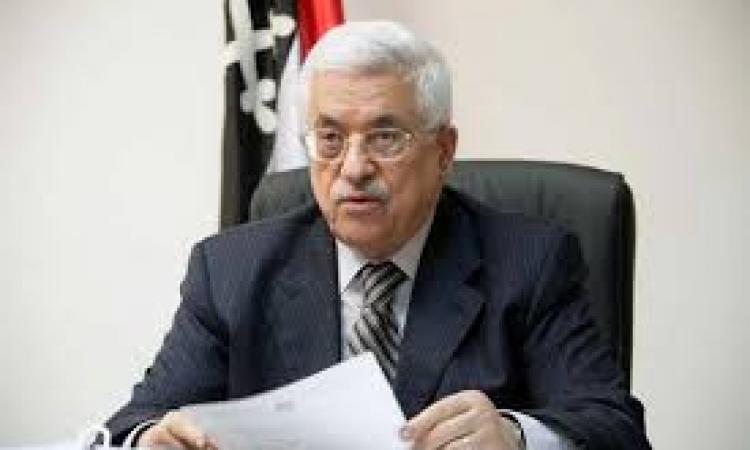 معاريف : يعالون يتهم أبو مازن بوضع العراقيل أمام المفاوضات