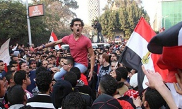 اشتباكات بين الأمن وجمهور الأهلى عقب المباراة