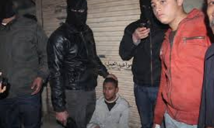 القبض علي 14 طالب بتهمة حرق سيارات لضباط الشرطة بالدقهلية