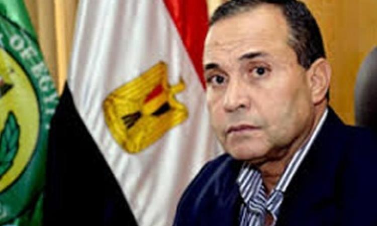 """محافظ الإسماعيلية يطالب مسؤولي """"الجهاز التنفيذي"""" بالتفاعل مع المواطنين"""