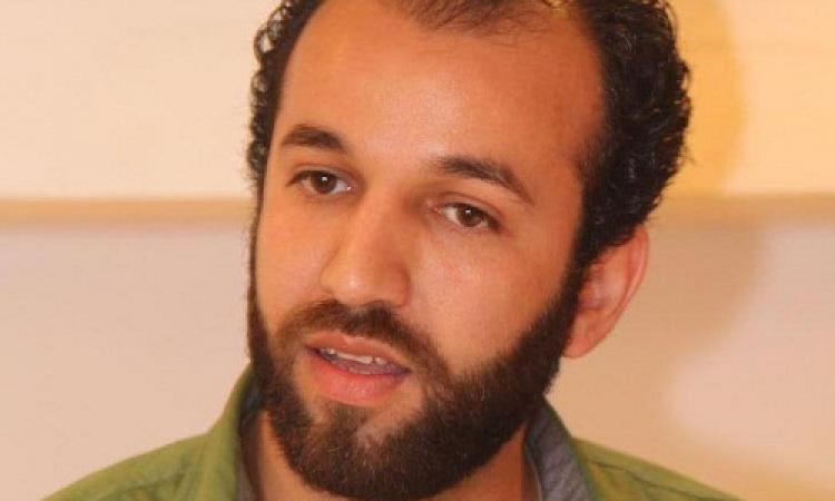 وصول جثمان المخرج محمد رمضان  مطار ألماظة عصرا