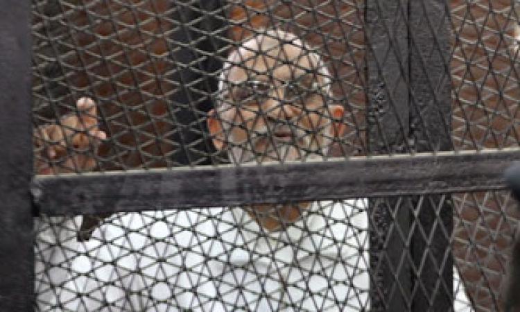 """تأجيل محاكمة """"بديع"""" و""""الشاطر"""" فى أحداث مكتب الإرشاد لـ 12 مايو"""