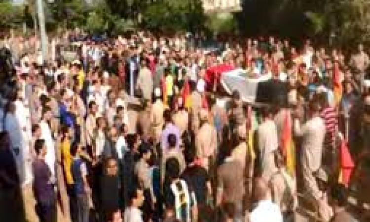 """بالصور..جنازة شهيد الشرطة بالدقهلية تتحول لمسيرة ضد """"الإخوان"""""""