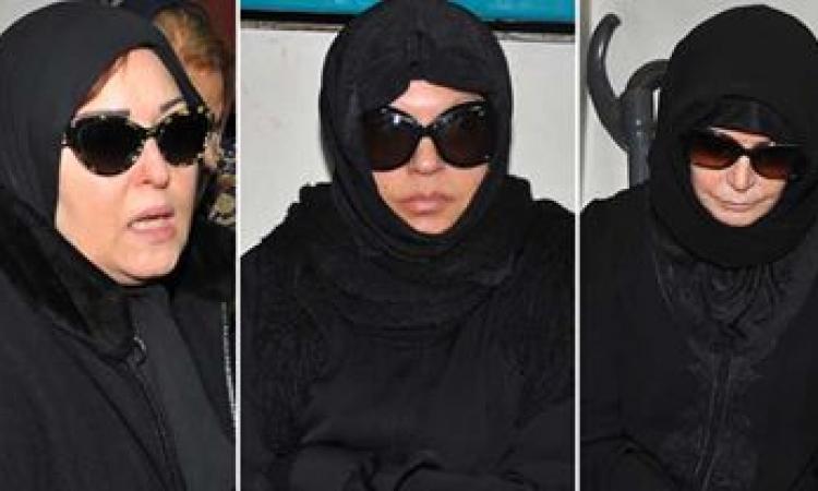 فنانات مصر بالحجاب فى عزاء الراحلة زيزى البدراوى