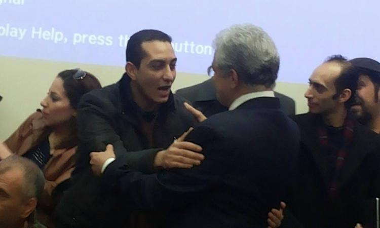 """الاعتداء على  محمد عبدالعزيز وحسن شاهين أعضاء تمرد بمؤتمر صباحي """""""""""