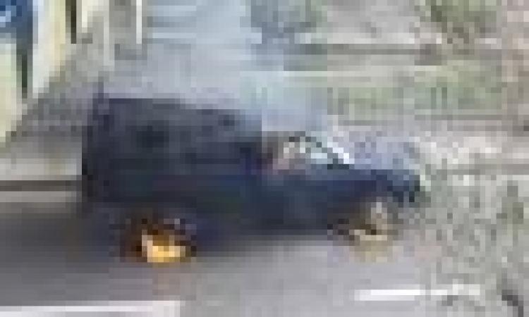 مجهولون يشعلون النيران بسيارة ضابط شرطة بأسيوط