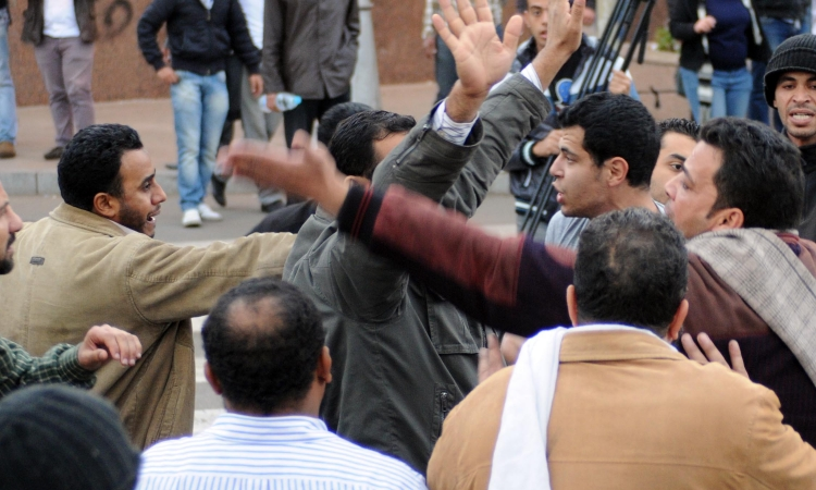 اشتباكات بين الإخوان والمعلمين بالشرقية  لسحب الثقة من المجلس الإخوانى